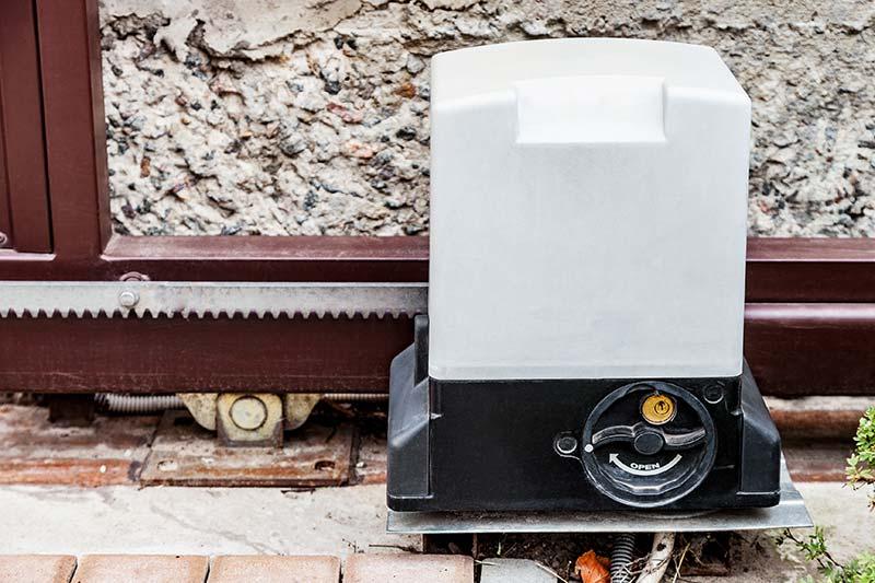 installation de portail métallique coulissant à Plaintel (22) | ASM Fermetures