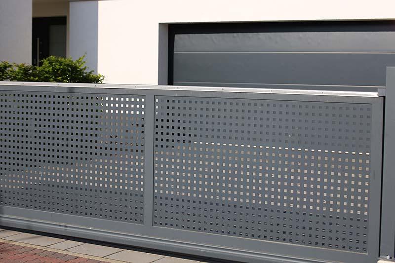 installation de portail aluminium à Plaintel (22) | ASM Fermetures