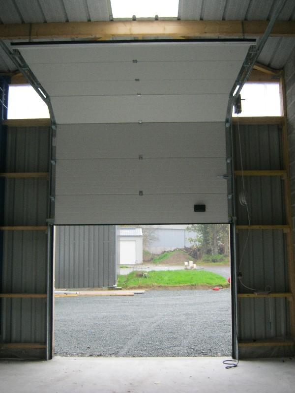 porte de garage sectionnelle à Plaintel (22) | ASM Fermetures