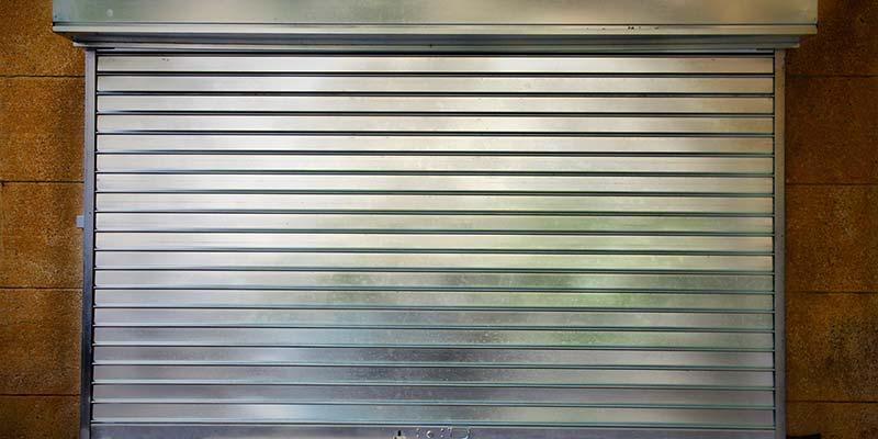 rideaux métalliques à lames pleines à Plaintel (22) | ASM Fermetures